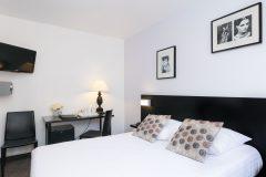 Chambre standard à l'hôtel Méditerranée 3*, Menton, Côte d'Azure
