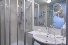 Hôtel Pachmair - salle-de-bain chambre double