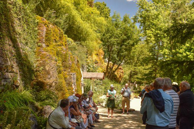 Le jardin de fontaines p trifiantes fr voyages buchard - Le jardin des fontaines petrifiantes ...